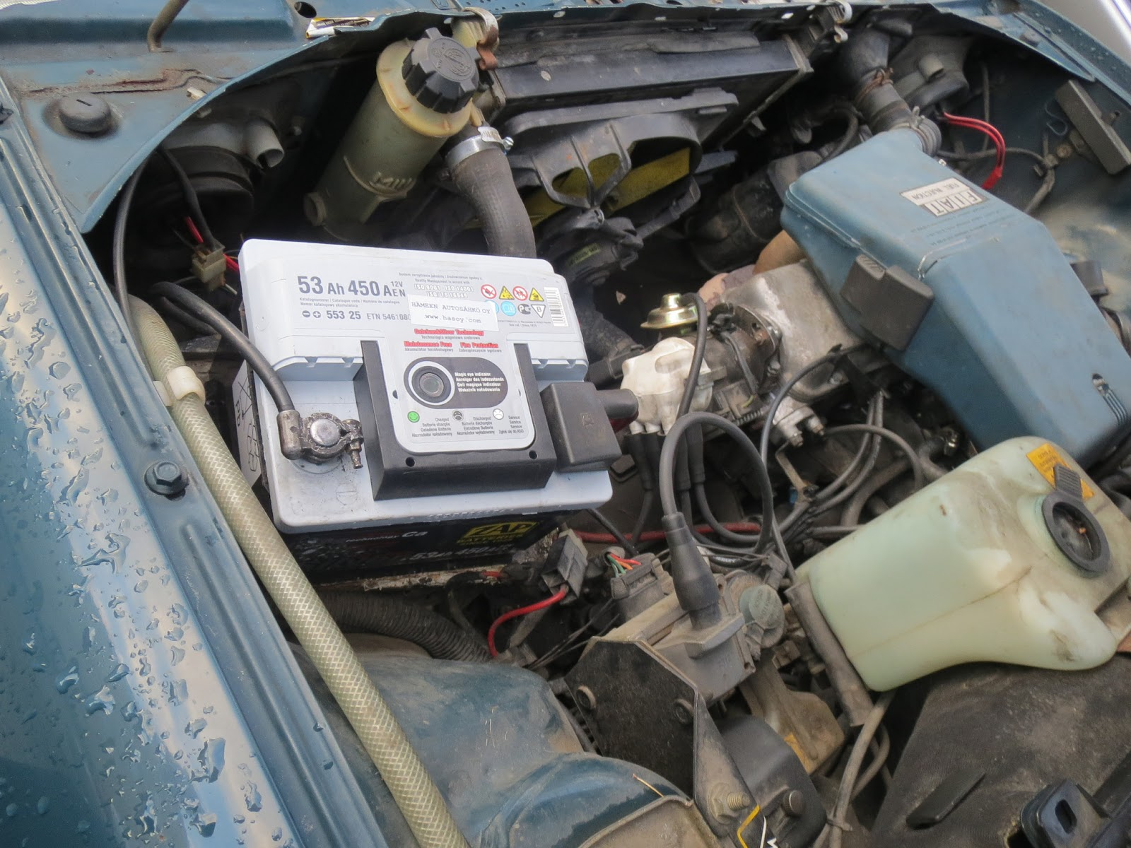 fiat uno new zap 53ah battery installed  [ 1600 x 1200 Pixel ]