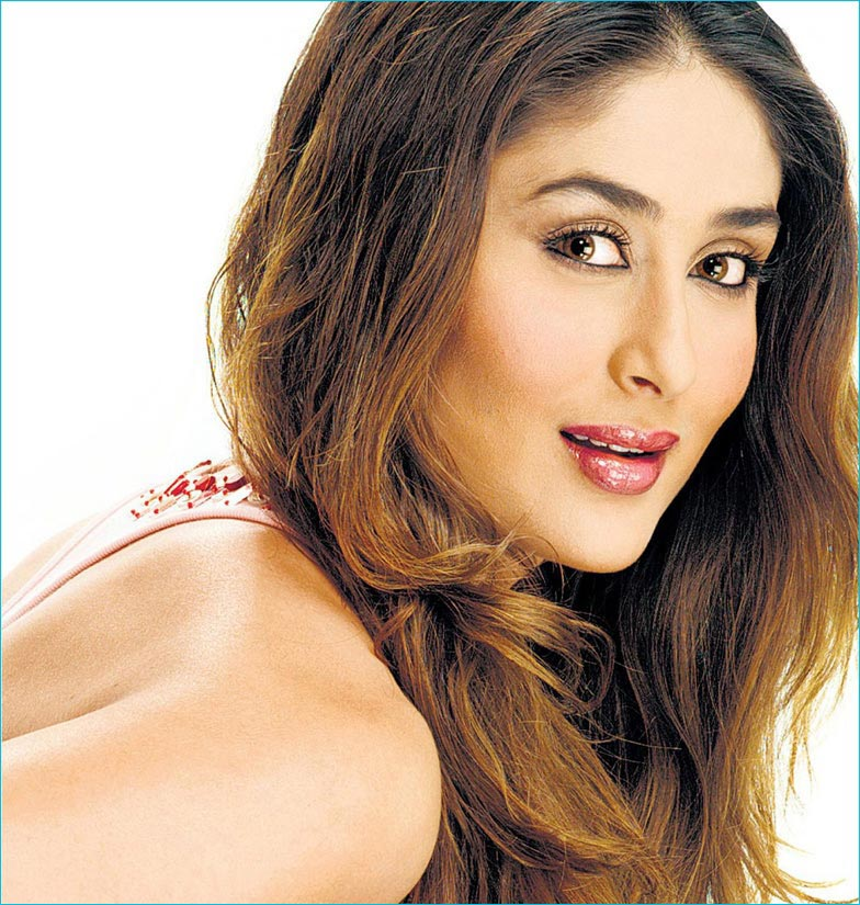 Super Bollywood Actress Kareena Kapoor Hairstyle Pictures Hairstyles Id Short Hairstyles Gunalazisus