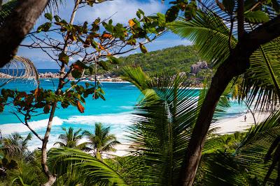 Blick über die Grand Anse auf La Digue