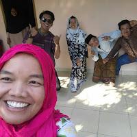 Keluarga besar Sujari