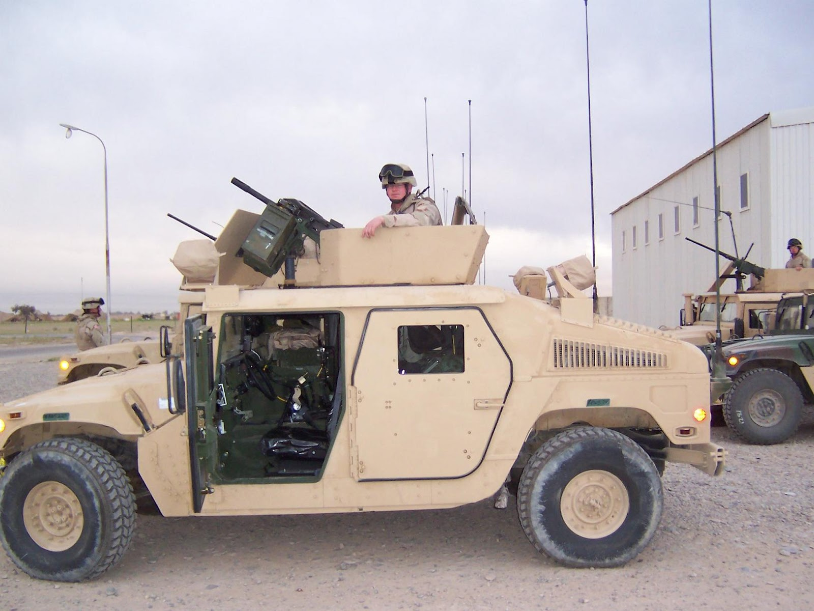 Hummer H Humvee