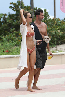 Natalia-Borges-Bikini-Candids-in-Miami-Beach-01+%7E+SexyCelebs.in+Exclusive.jpg