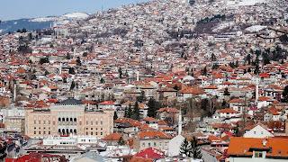 300000 people in Sarajevo