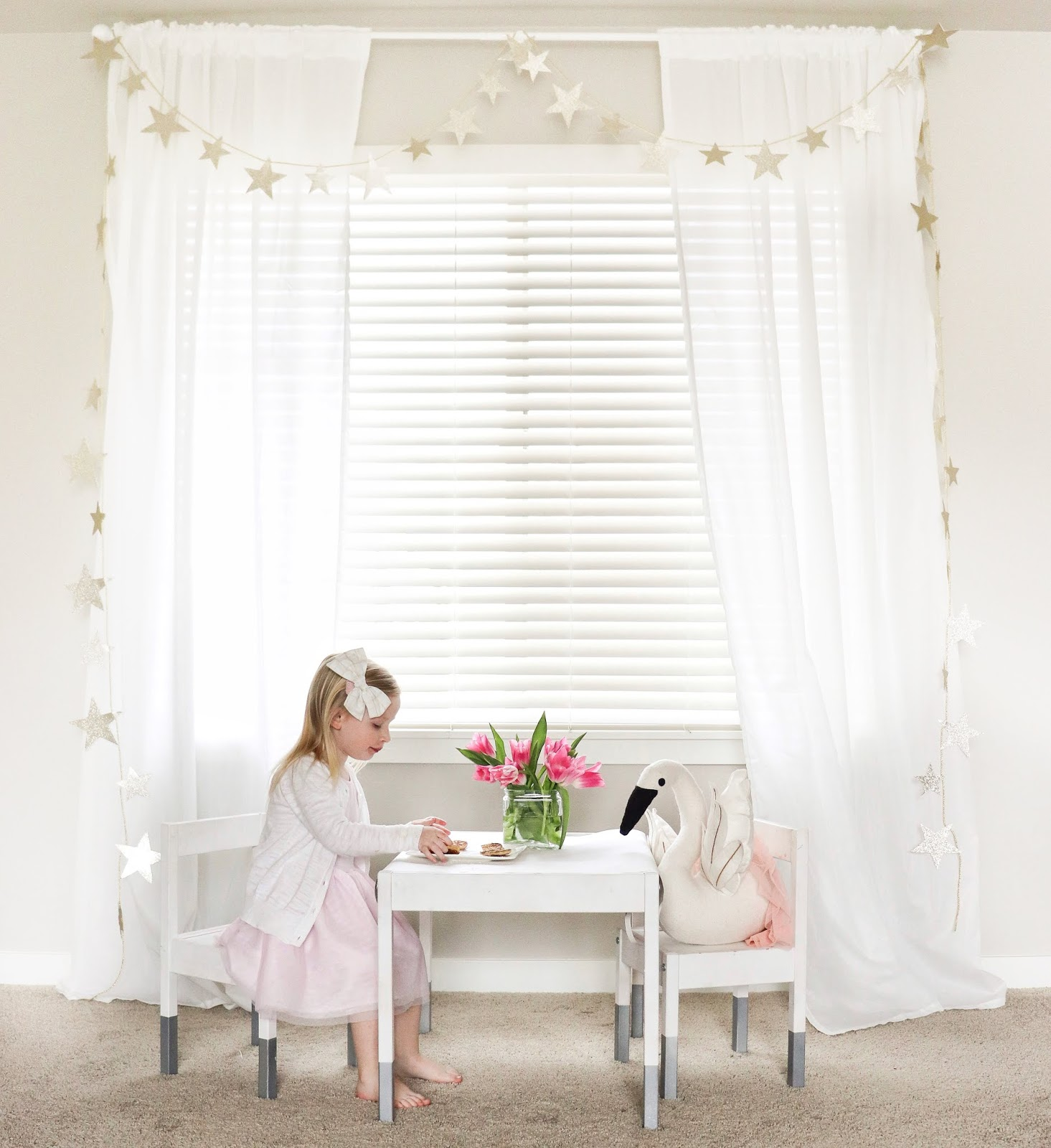 DIY Gold Star Garland