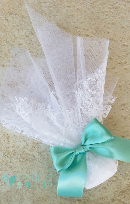 wedding favors in aqua blue color