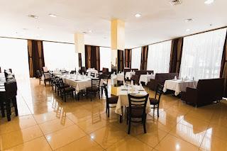 Ресторан в Sun Hotel - Седат Игдеджи
