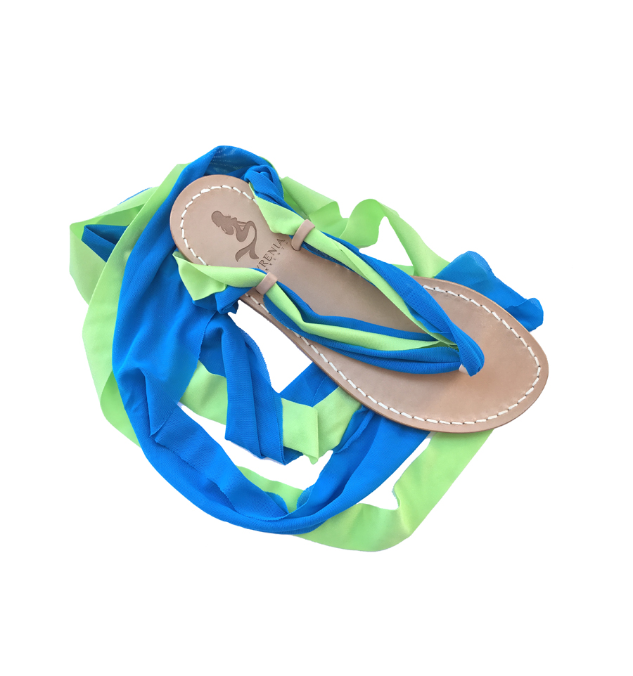 Sandal with interchangeable colored laces