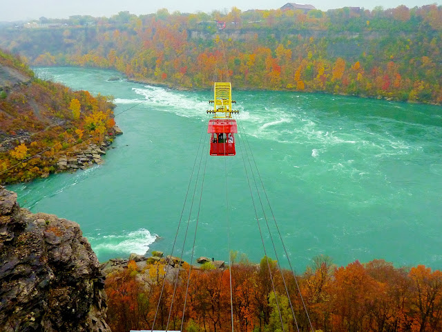 Teleferico sobre el Niagara por El Guisante Verde Project
