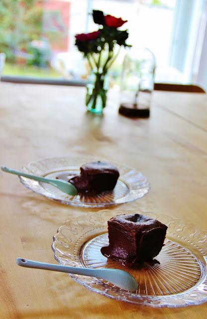 Pas plus de 15 minutes de préparation pour satisfaire à la gourmandise sucrée de délicieux petits coeurs fondants!