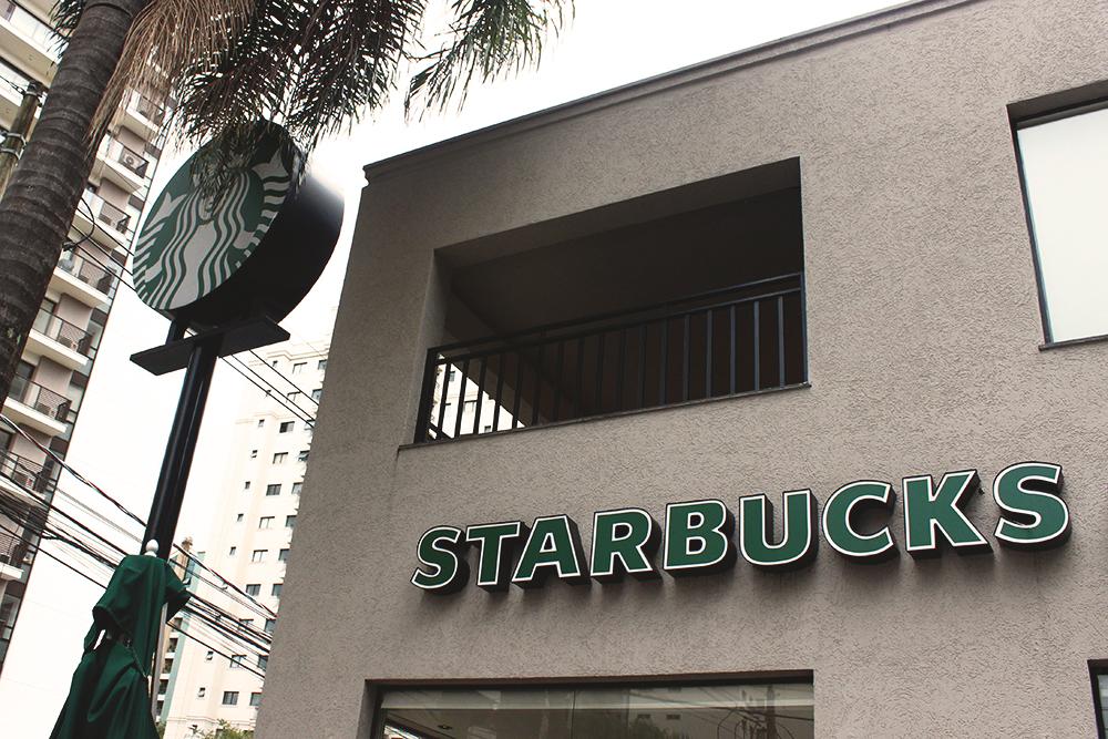 fachada cafeteria starbucks