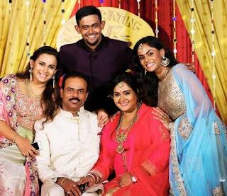 Thulasi Nair Family Husband Parents children's Marriage Photos