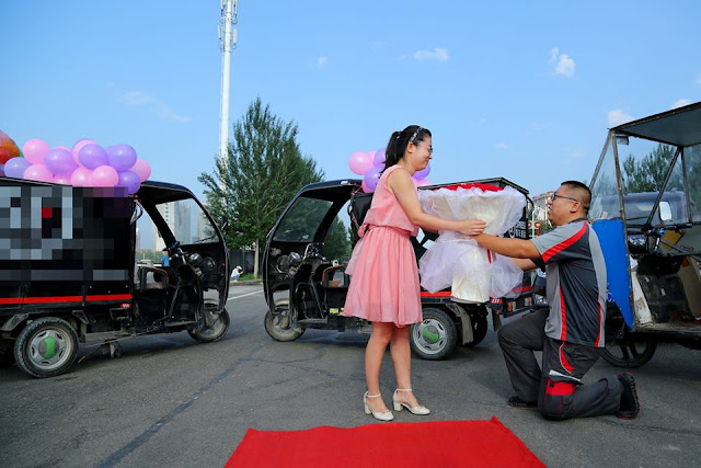 Delivery man rents 11 tricycles to propose to girlfriend- entertainment news