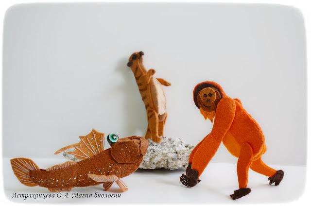 palchikovyj-teatr-ilistyj-prygun-orangutan-surikat-iz-fetra