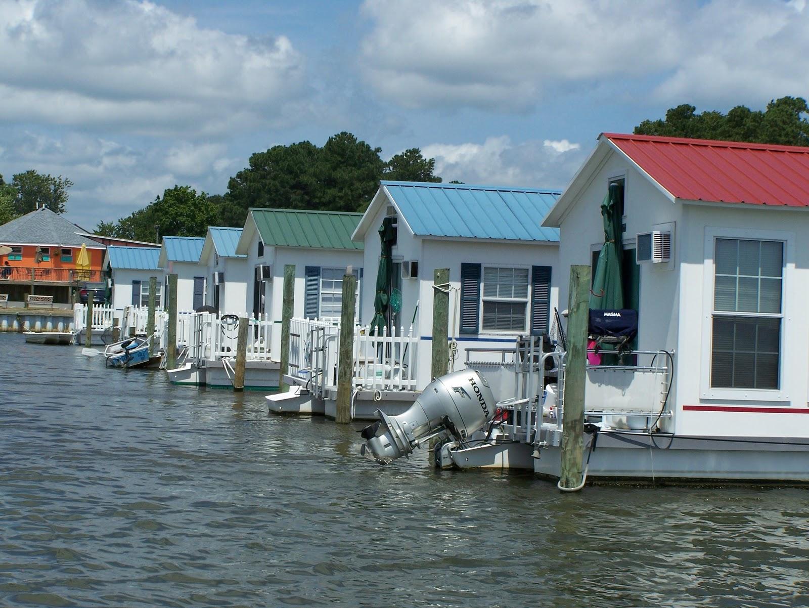 Deltaville Vignettes: Aqua Lodge- A Rich Man's Shanty Boat
