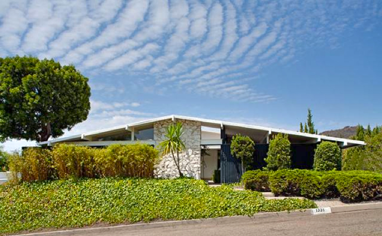 Bwood Untouched 1960 Mid Century Modern Comes Loaded With Charm