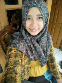 Dewi fatimah autohor profil