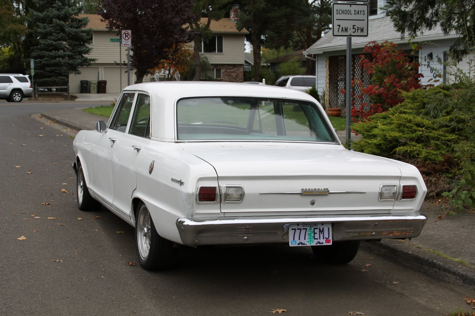 All Chevy chevy 2 : OLD PARKED CARS.: 1965 Chevy II Nova.