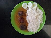 http://mejwani-recipes.blogspot.in/2015/10/raw-banana-kofta-curry_21.html