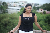 Vasavi Reddy glamorous photo shoot gallery-thumbnail-3