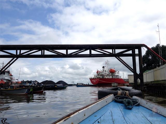 Naik Kelotok ke Pulau Kembangan