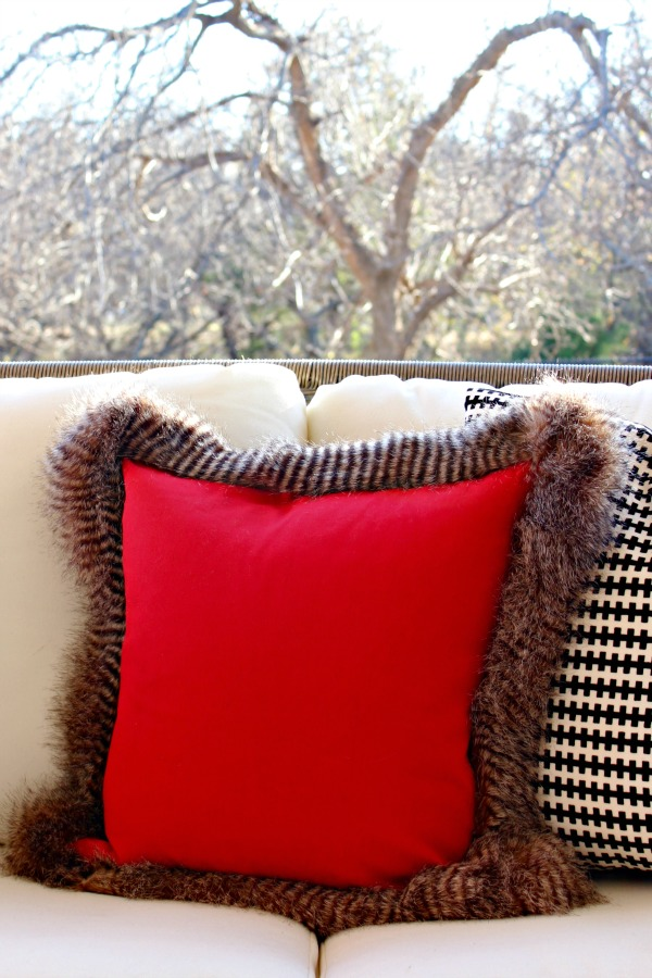 fur pillow, no sew pillow, diy project, home decor