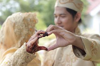 Pernikahan Muda, Cutdekayi
