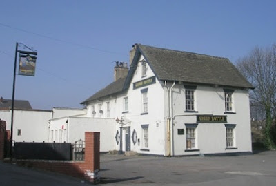 The Green Bottle, Knottingley (c) Betty Longbottom, Creative Commons