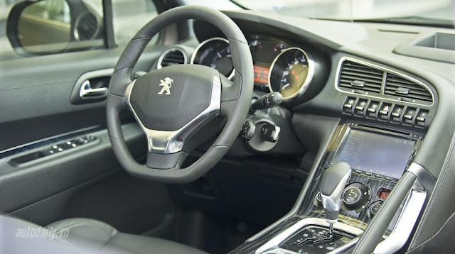 Phần nội thất của Peugeot 3008 khiến ai đó mới bước vào phải ngạc nhiên