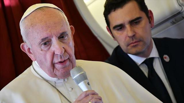 """Papa alerta de riesgos e """"intereses económicos"""" del mundo digital"""