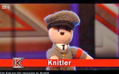 Lustige Hitler Puppe im Fernsehen