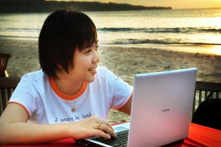 Anne Ahira Internet Marketer pertama di Indonesia dengan Asian Brain