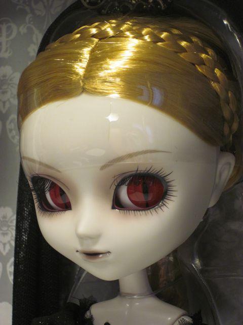 Pullip-Elisabeth-Vampire