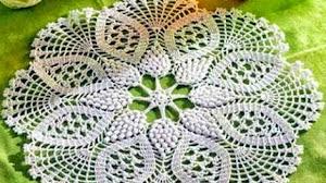 Esquema de bonita carpeta crochet