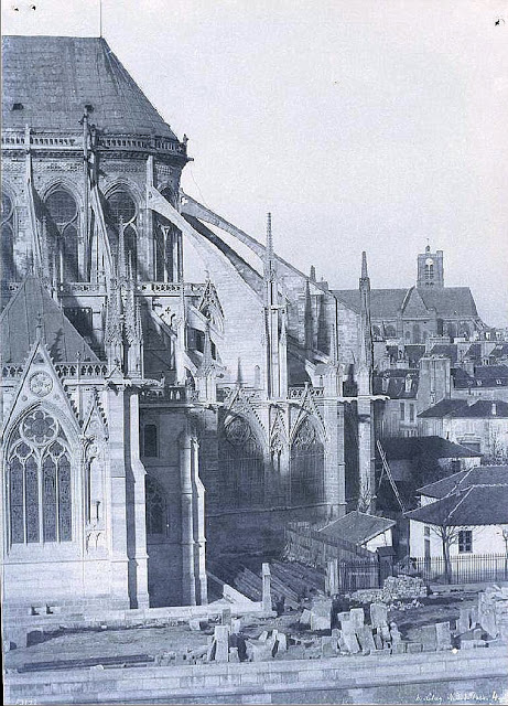 All The Girls Standing In The Line For The Bathroom: Old Photos Of Notre Dame De Paris From 1840s To 1850s