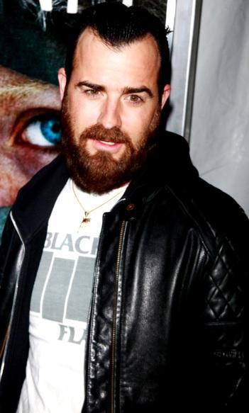 Foto de Justin Theroux con mucha barba