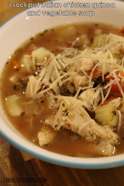 Crockpot Italian Chicken and Quinoa Soup // Loaded with flavor, this crockpot soup is a wonderful meal for a chilly day! #recipe #soup #slowcooker #crockpot #chicken #quinoa