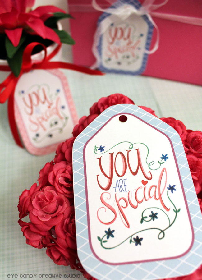 hand lettered gift tag, hand lettering, florals, gift tags, free download