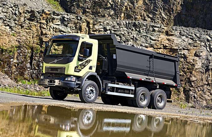 Volvo lança novo VM com PBT de 32 toneladas