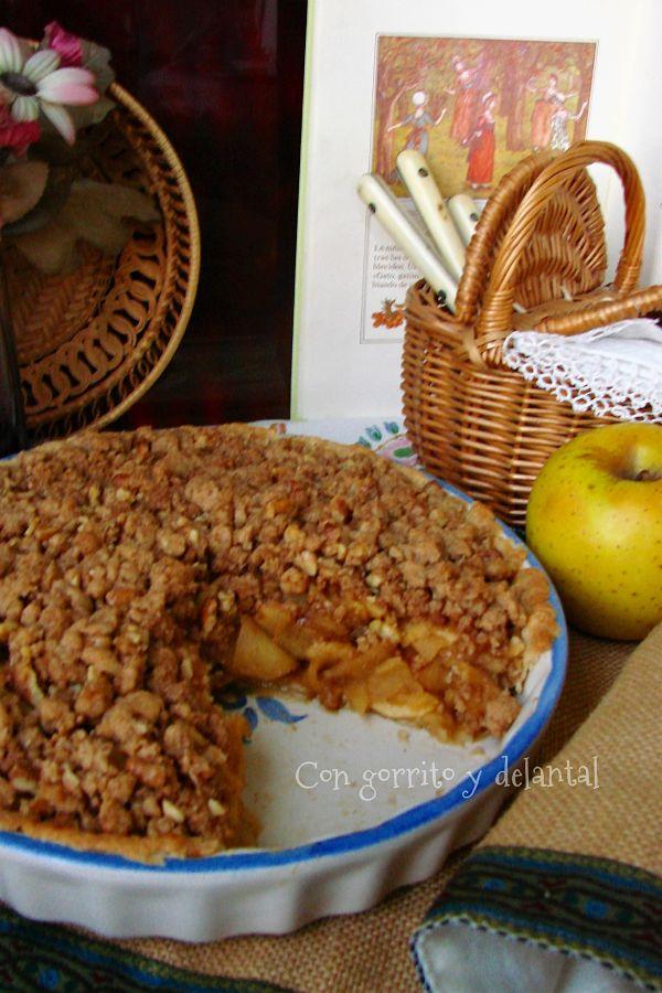 tarta-manzana-crujiente-con-gorrito-y-delantal