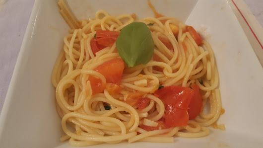 The Recipe Post #12: The simplest spaghetti and fresh tomato dinner