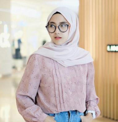Warna Baju Kekinian Yang Bikin Harimu Ceria