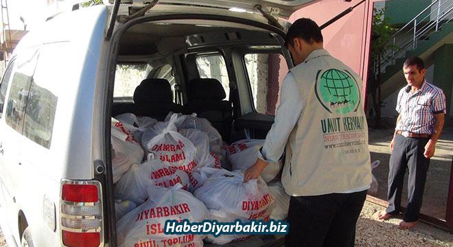 Umut Kervanı Vakfı, Diyarbakır Çınar'da 160 aileye gıda yardımında bulundu