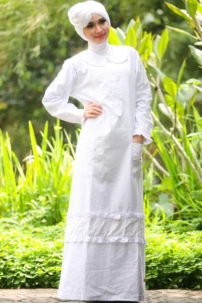 25 Model Baju Muslim Warna Putih Untuk Lebaran Terbaru