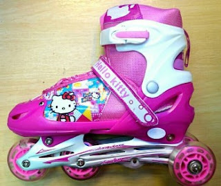 Foto Sepatu Roda Hello Kitty. Harga Dan Model Sepatu Roda Anak Hello Kitty  Dan Frozen Terbaru f7ea183b83