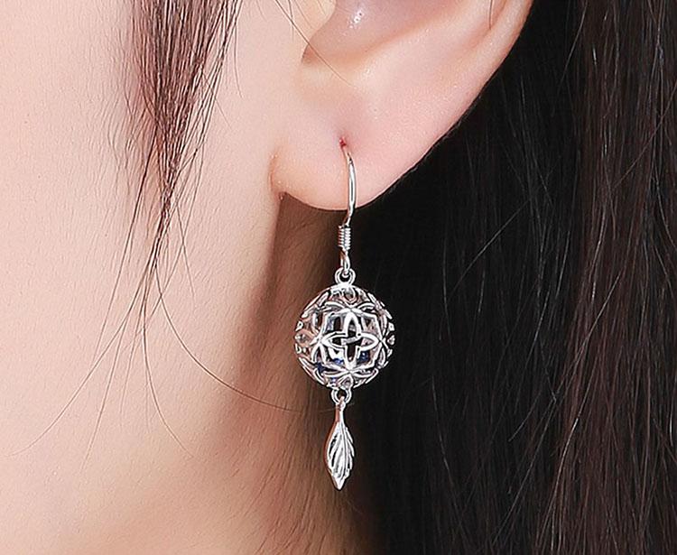 925純銀鏤空花朵藍色鋯石耳環