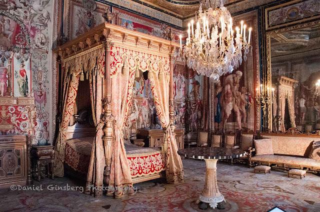Fontainebleau  dormitório em que podem se apreciar ainda elementos do estilo Renascença
