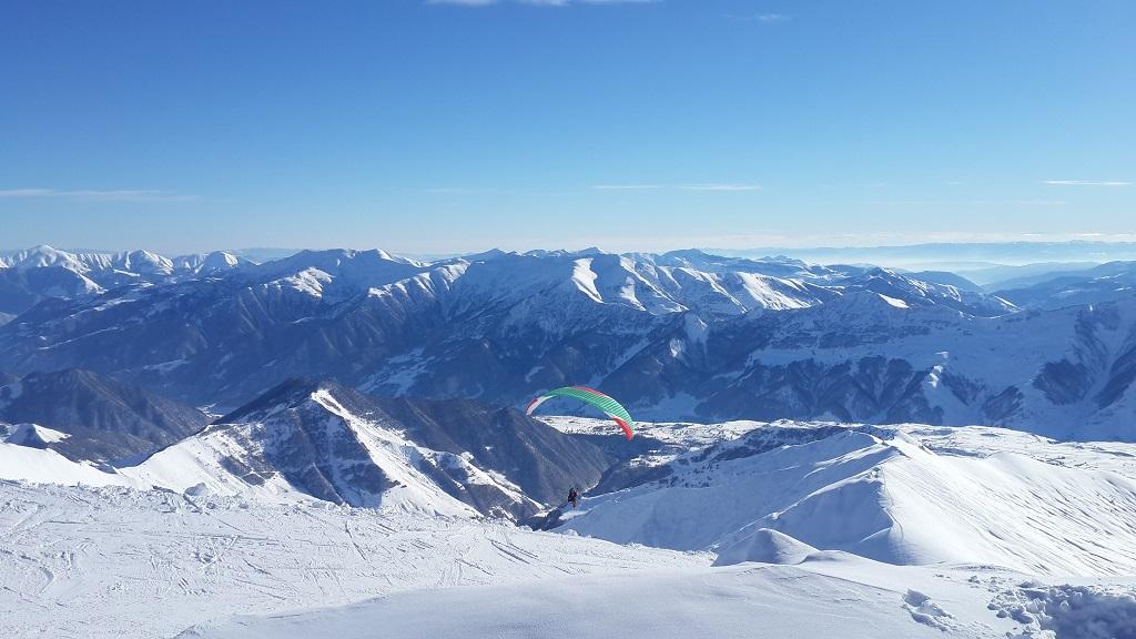 جبال القوقاز و سيارات الدفع الرباعي