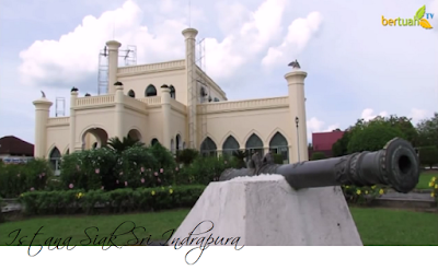 Wisata Sejarah Istana Kerajaan Siak