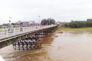 jembatan lama sungai brantas