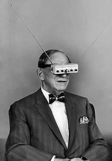 El abuelo de mi abuelo con las Google glass de 1940
